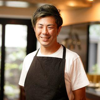 濱口昌大氏(ハマグチマサヒロ)─世界の食文化を一皿に落し込む