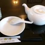 和唐 - 和唐 @中板橋 テーブルセットとジャスミン茶