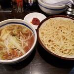 さい。 - 辛野菜つけ麺960円!