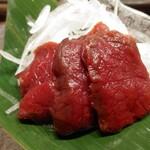 肉汁餃子のダンダダン - 馬刺し2種盛り980円から赤身