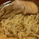 えん弥 - ラーメンの麺