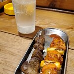 やるき - タンドリーチキンやきとりと新鮮スパイシー鶏レバー