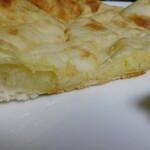 ビハニ - チーズナン断面