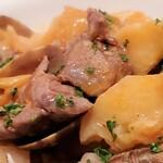 ヴィラモウラ - 豚肉とアサリの炒め煮アップ