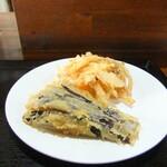 122432875 - なすの天ぷら、かき揚げ。
