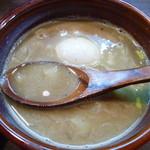 麺処 と市 - つけ汁(味玉トッピング)