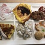 武藏 - 朝食ビュッフェ2800円。〆。フレンチトーストもほぼ焼きたてです。フワフワですが、ややインパクトに欠ける印象です。。。ショートケーキに軍配です(╹◡╹)