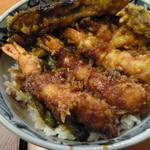 天松 - えび天丼は小さめの海老が4本入ってます
