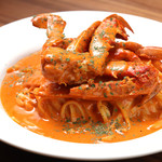 肉バル ジラソーレ - 渡り蟹のトマトクリームパスタ