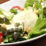 肉バル ジラソーレ - シーザーサラダ