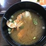 海鮮料理 磯 - カニ入りみそ汁