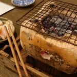 蕎麦 の澤 - 若鶏なんこつ炭火焼き 700円