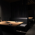 新宿 焼肉ブルズ - 新宿らしい艶やかな雰囲気