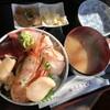 うろこいち - 料理写真:海鮮丼1350円
