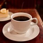 ローヤル珈琲店 - 【鎌倉山チーズケーキセット@750円】ホットコーヒー