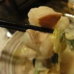 12248908 - モツ鍋 味噌味のモツアップ