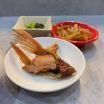 鶏焼肉と鶏料理 鶏'sすたいる - 小鉢、漬物