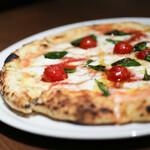 Motive Pizzeria E Caseificio - 料理写真:2019年3月再訪:マルゲリータ☆