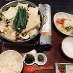 博多 弁天堂 - もつ鍋御膳1780円+税