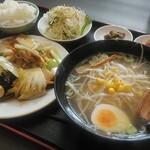 中華料理 興龍 - 料理写真:日替わりランチ(八宝菜&塩ラーメン)
