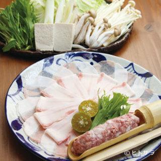 しゃぶしゃぶや寄せ鍋等、上質な肉の旨みを味わえる黒将で新年会