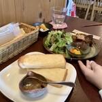 ジャム cafe 可鈴 - 【週替わりランチ(1,050円)】娘はパンでいただきました。