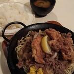 Kicchinkarori - カロリー焼きとから揚げ。ライス普通。