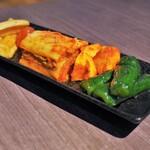 焼肉レストラン ロインズ - キムチ盛り合せ