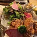 天然食堂 かふぅ - ・鶏の薬膳唐揚げセット