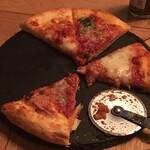 梅田 ワーフ - ピザは撮る前に食べちゃった…( ´∀`) マルゲリータ!
