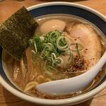 しんの助 - 料理写真:【2019.12.7】太麺中華そば900円+煮玉子110円