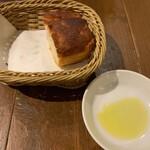 122517833 - ランチのパン(1人分)