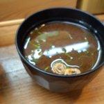 海鮮丼の駅前 - 40円 赤出汁
