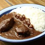 もうやんカレー - 料理写真:ホホ肉一頭から1㎏だけ
