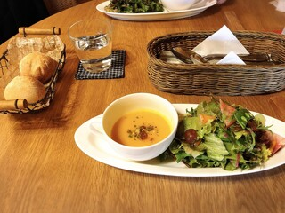 nonna  lunch & cafe