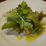 122525225 - スモークサーモン、長芋、ジャガイモのサラダ