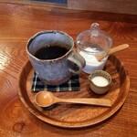 はちはち珈琲 - ドリンク写真:自家焙煎コーヒー(しっかりブレンド【深煎り】)