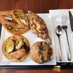 122529563 - 美味しそうなハード系お惣菜パン4つ♡