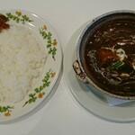 六花亭 - 料理写真:ビーフシチュウ(ライス付き)800円