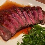 銀座酒場 マルダイ 大名 - 和牛の赤身(特製ソースがけ) ※ソースの味が良かったです