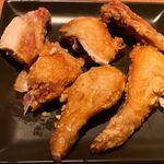 銀座酒場 マルダイ 大名 - 直方直送 鶏の唐揚げ を表面に返しました