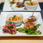 中国茶寮 一華 - 大連クラゲの辣醤和え 磯つぶ貝 牛たたきの台湾風ソース 鶏のオーブン焼き カレー風味
