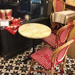 パティスリー ビガロー - カフェコーナー