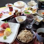 志ぐれ亭 - 懐石料理、郷土料理、手打ちそばを、コースによってバランスよく組み合わせ