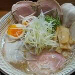わ河馬 - 料理写真:濃厚鶏白湯チャーシュー 煮卵