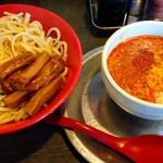 勢拉 - つけ麺(中盛・ネギ増し・極太黒メンマトッピング・辛味)