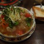カフェ・デ・プリマベーラ - 野菜スープ1100円