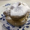 Shiradoyakashiten - 料理写真:大きいシュークリーム