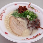 らーめん 雷蔵 - 1912_らーめん 雷蔵 新宮店_本場博多豚骨 博多名物辛子高菜が良いアクセントです!