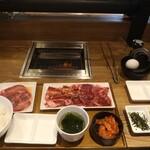 焼肉ライク - 牛タン&匠カルビ&ハラミ+究極のTKGコンボの200g(ご飯普通)